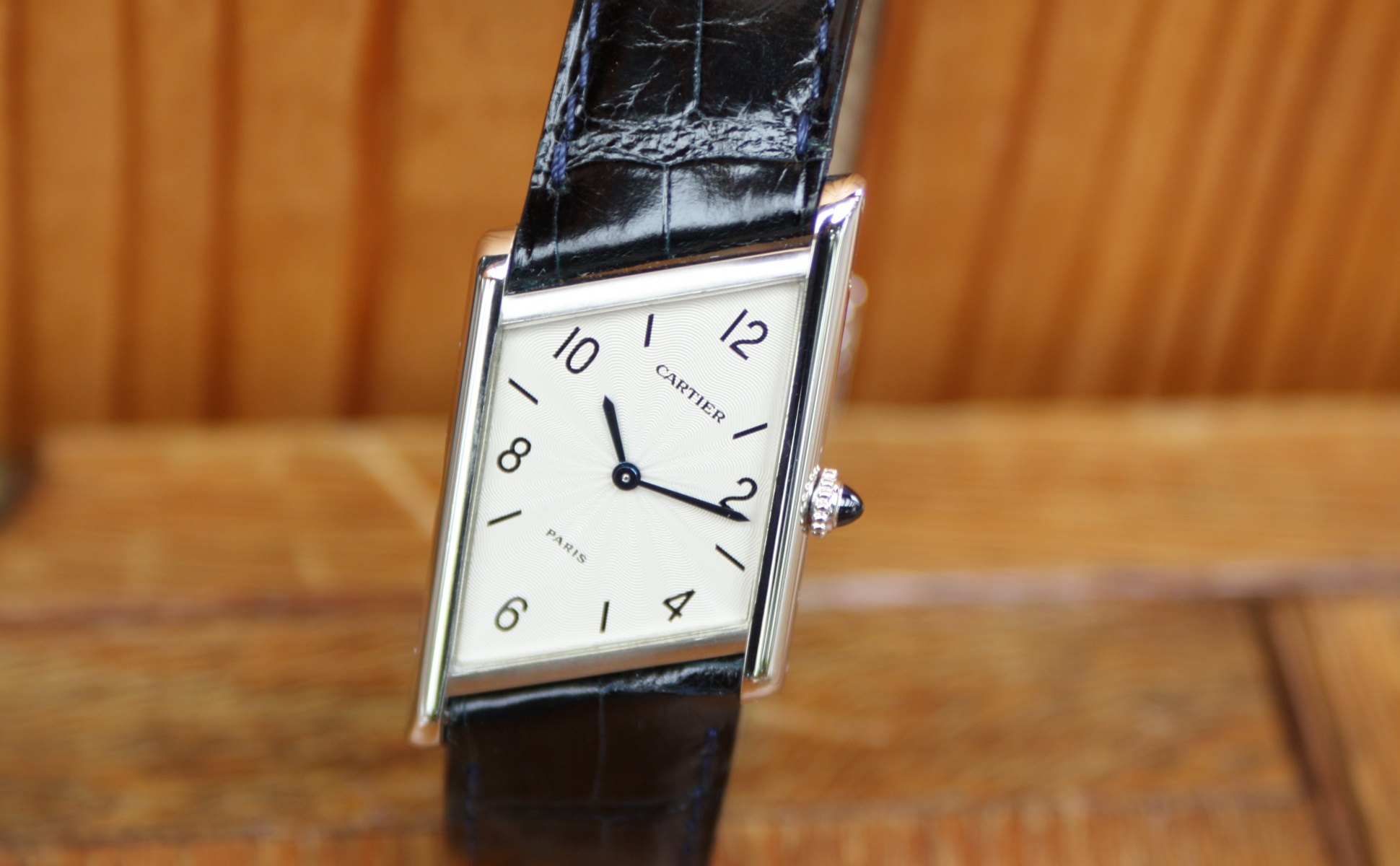 Cartier limited asymetrique